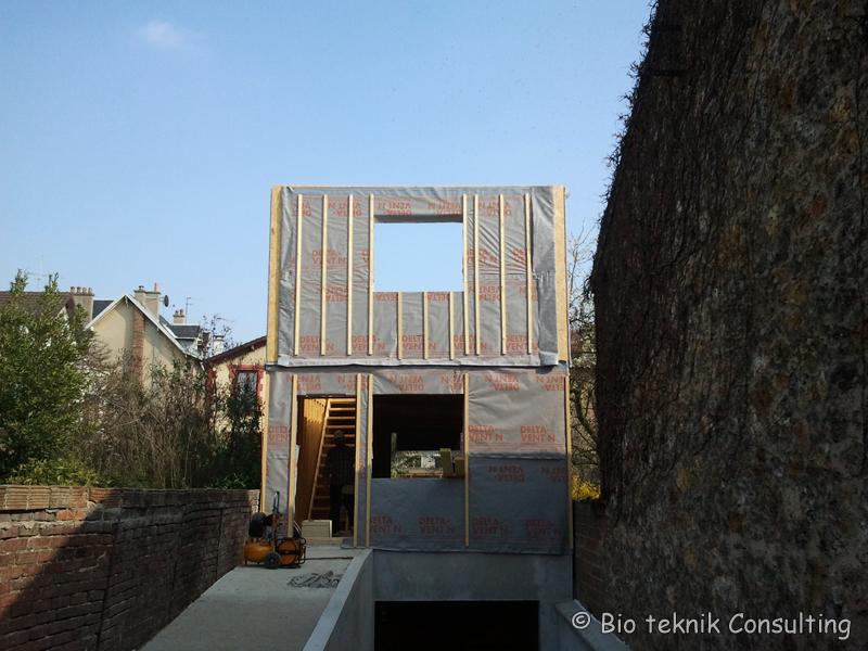 construction d une maison avec mat riaux cologiques colombes bio teknik consulting. Black Bedroom Furniture Sets. Home Design Ideas