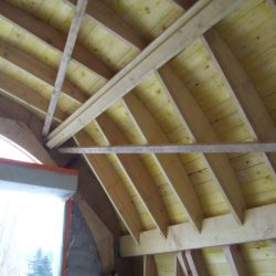 Combles avec détail du toit en berceau et de son contreventement